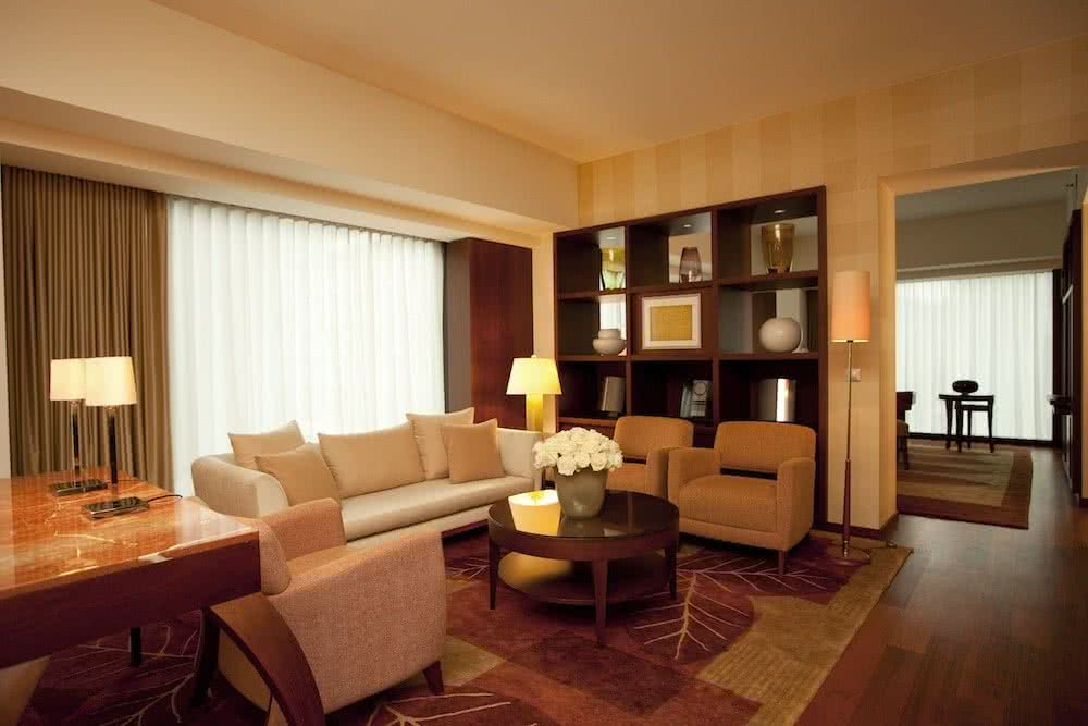 phz_park-executive-suite-living-room