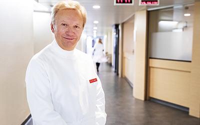Один из лучших абдоминальных хирургов Западной Европы теперь принимает в клинике Genolier